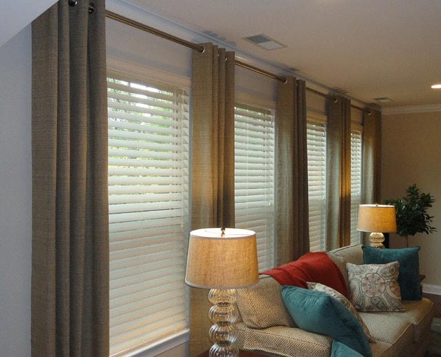 Curtain rod for grommet panels